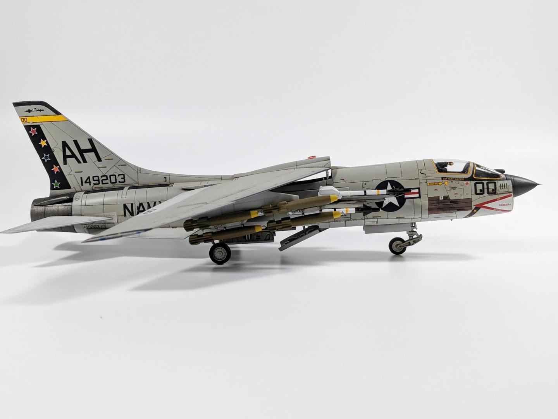 Academy F-8J Crusader