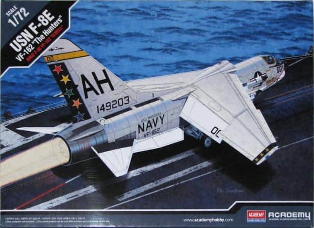 F-8J Crusader Box Art